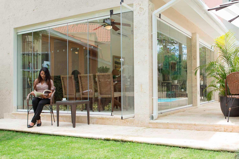 C3 systems fabricante de cortinas de cristal y p rgolas for Cortinas de cristal para terrazas