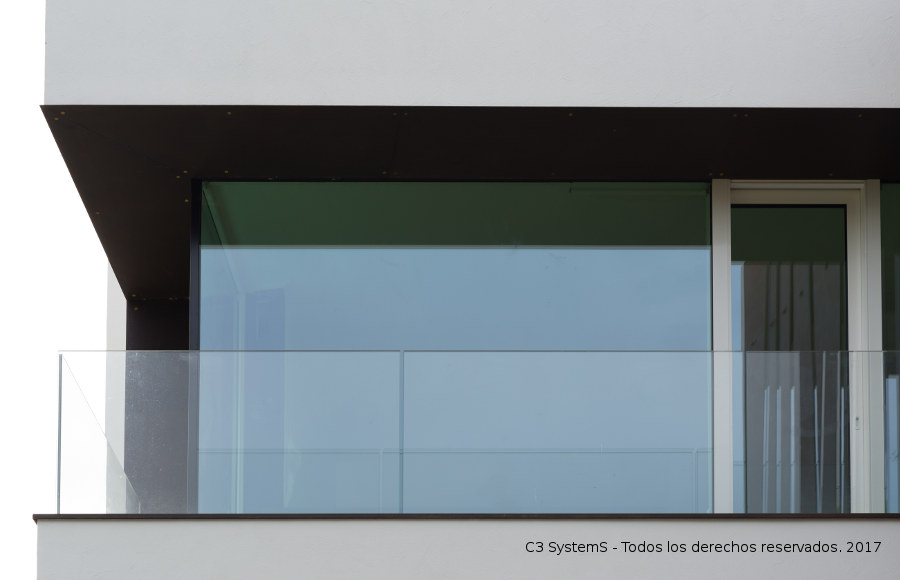 Barandilla de cristal para terraza baranda de acero for Barandillas de cristal para terrazas